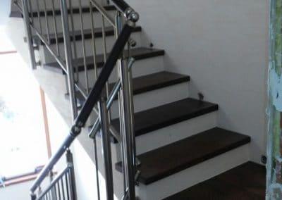 Стъпала цял ламел с подлепка, качество Натюр, обработка лак, цвят Венге и бели чела