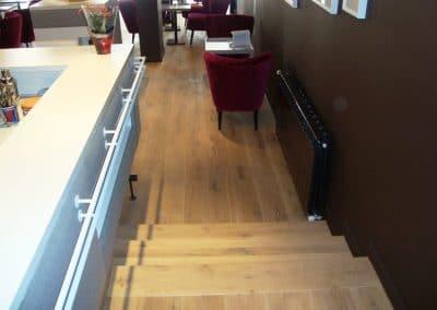 Дюшеме дъб 180 х 20 х 600 - 2000 мм и стъпала, качество Рустик, фабрично омаслено в цвят Натурал