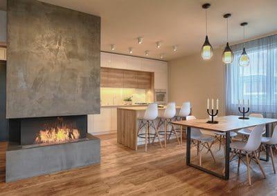 Апартамент по проект на MDesign - дъбово дюшеме 150 х 20 х 600 - 2000 мм, качество Рустик, обработка масло в цвят Античен дъб и маса в стил Индустирален дизайн в цвета на пода