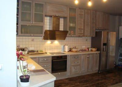 Дъбова кухня по проект, омаслена в цвят по мостра