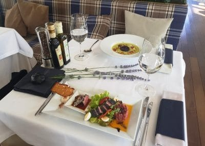 Ресторант Леонардо - паркет термоясен лак