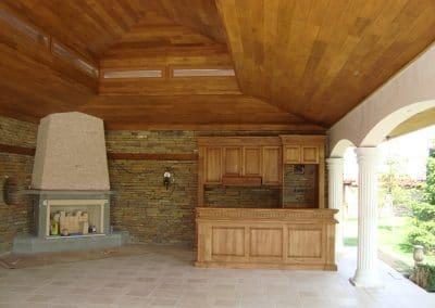 Дъбова лятна кухня, омаслена, цвят Тик и дъбова обшивка по таван с ширина 120 мм, качество Натюр, омаслена в цвят Тик