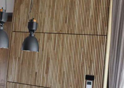 Дъбова декоративна стена 40 х 20 мм, качество Рустик, омаслена в цвят Натурал и масивна дъбова маса