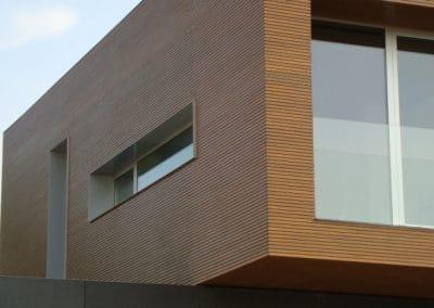 Дъбова обшивка по фасада 35 + 10 мм, качество Рустик, омасленa в цвят Дъб