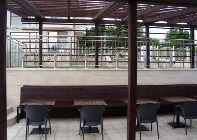 Дъбова пергола по проект, маси и пейки, детска градина Germini, кв. Бистрица, София