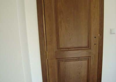 """Дъбова врата тип таблена, обработка лак цвят """"Светъл Орех"""""""