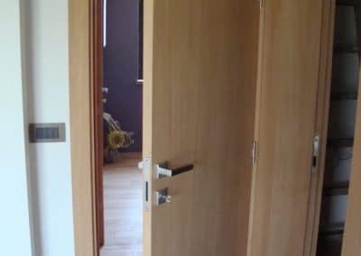 Гладка врата от фурнирован МДФ, омаслена цвят Натурал